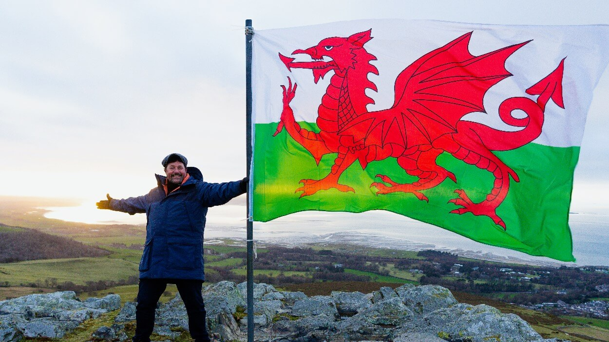 Wildflame wins Michael Ball Wales series for C5