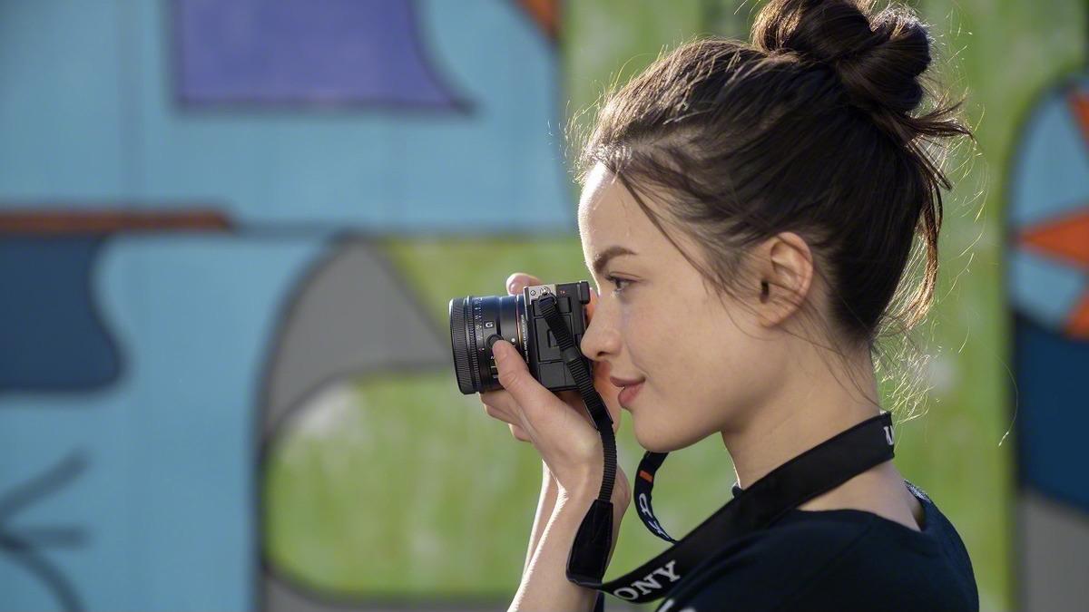 Sony unveils three G lenses for full-frame lens series